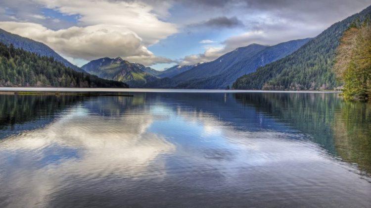 Lake-Crescent-located-in-northwest-Washington-Wallpaper-for-Desktop-915x515